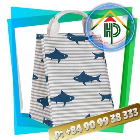 A shark pattern lunch bag