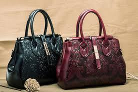 Những điều cần lưu ý khi lựa chọn túi xách cho phụ nữ trung tuổi