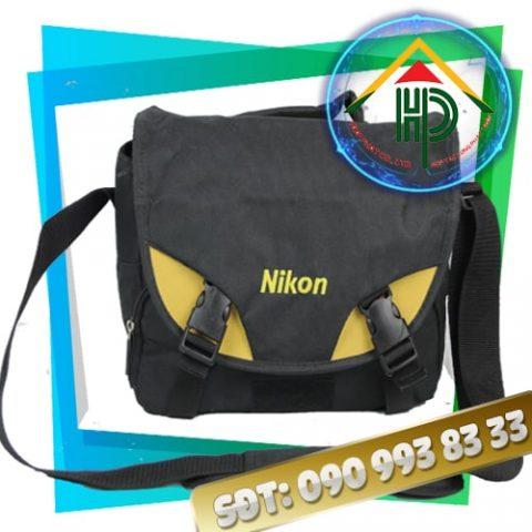 Mặt trước túi đựng máy ảnh Nikon