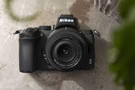 Máy ảnh cầm tay Nikon