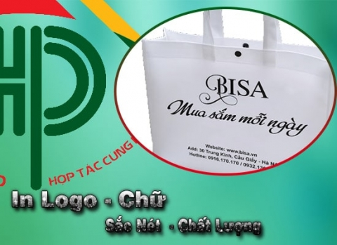 in logo theo yêu cầu trên túi xách quảng cáo