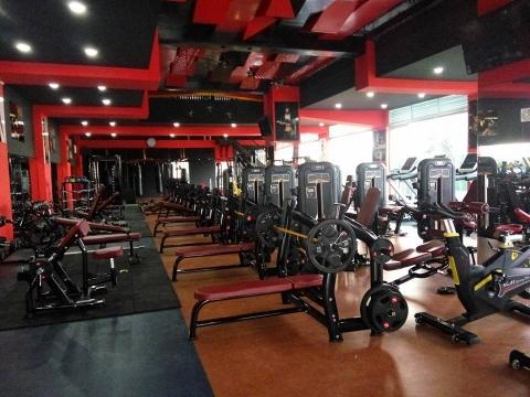 Phòng tập thể hình hiện đại của Fitness First