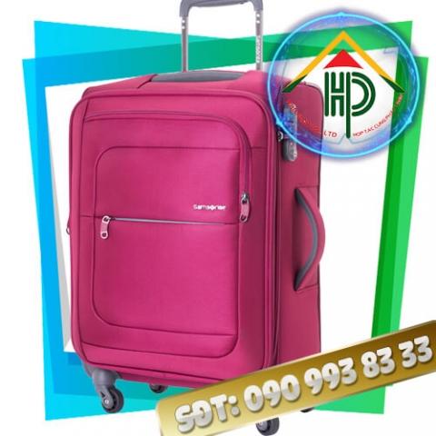May vali kéo màu hồng