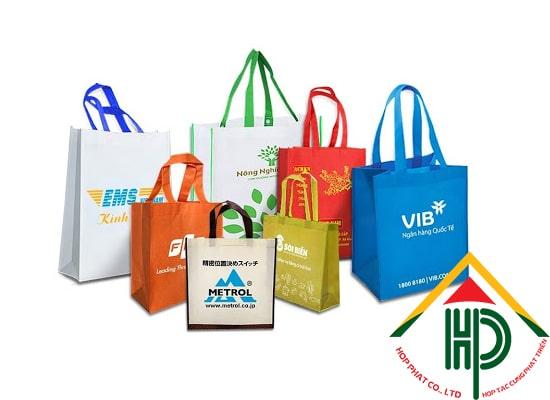 Túi vải không dệt đa dạng về mẫu mã và kích cỡ mang lại nhiều lựa chọn cho khách hàng