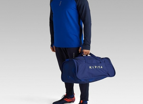 may túi xách thể thao phù hợp với trang phục