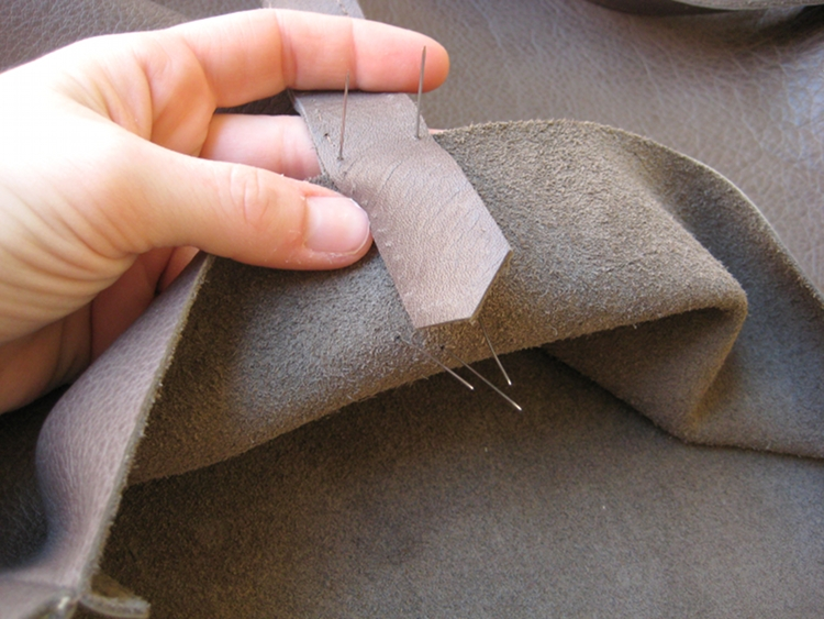 các đường may và mũi khâu trên túi xách da