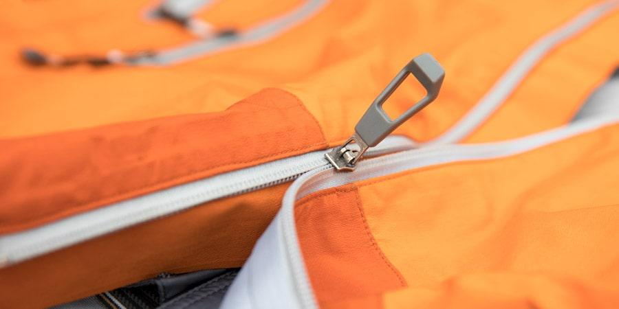 Sửa khóa áo khoác bị hỏng