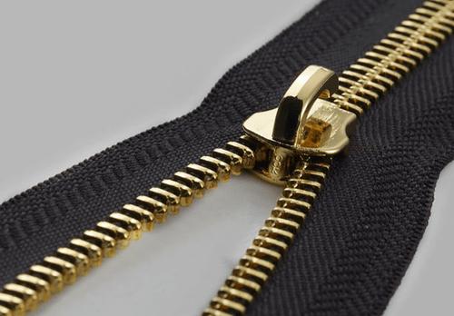 Tiện ích của dây khóa kéo kim loại