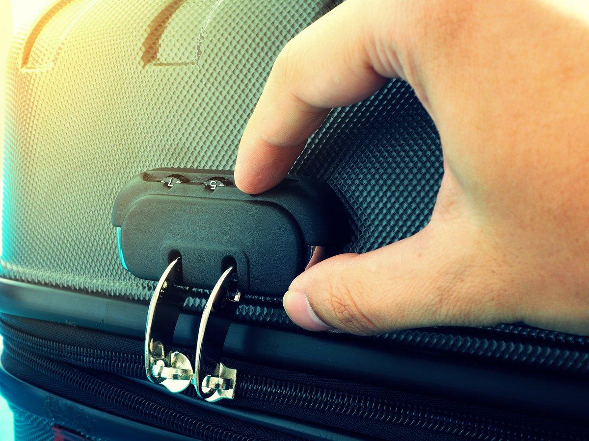 Đổi mật khẩu khóa vali lock &lock