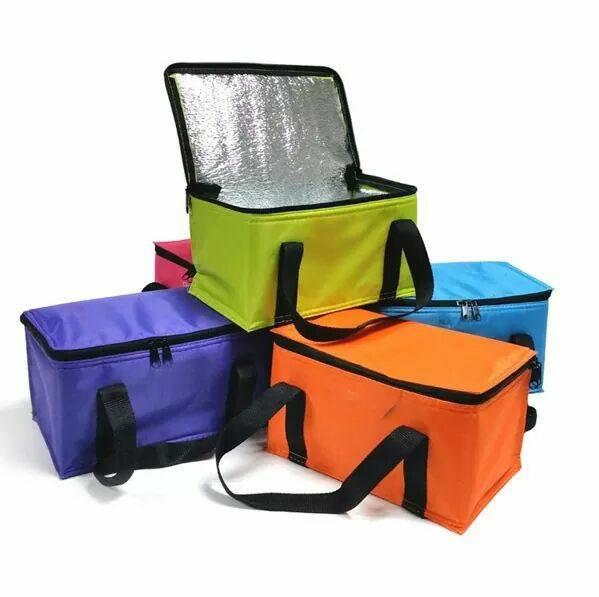 Mẫu túi giữ nhiệt dạng ngang được ưu chuộng sử dụng nhờ nhiều diện tích, dễ sử dụng