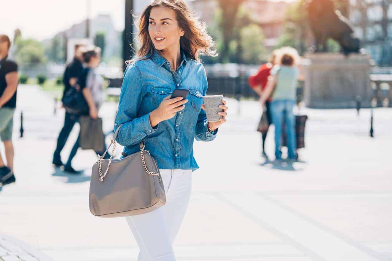 Cách sử dụng và bảo quản túi xách tay nữ đúng cách