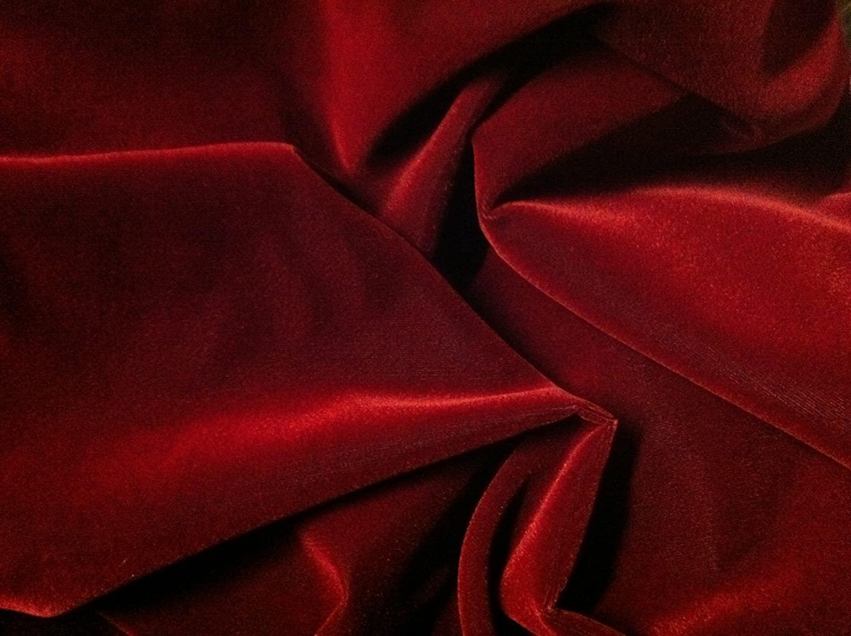 Nhung đỏ