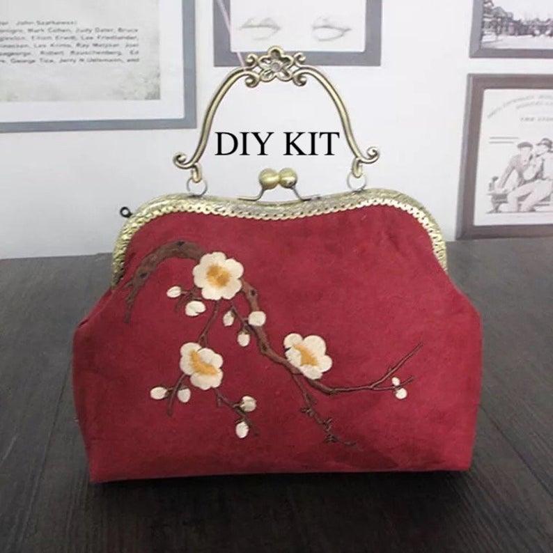 Túi xách tay làm từ vải nhung