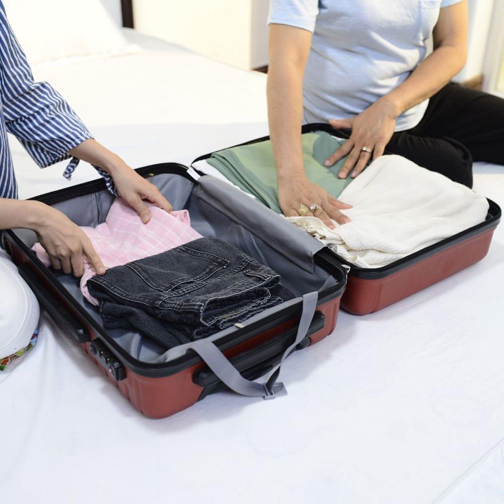 vệ sinh vali thường xuyên
