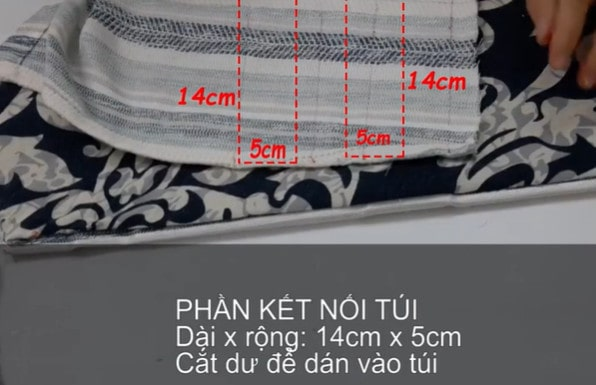 Cắt hai mảnh vải làm phần nối túi xách