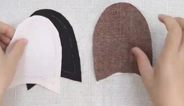 Cắt 4 miếng vải làm tai thỏ