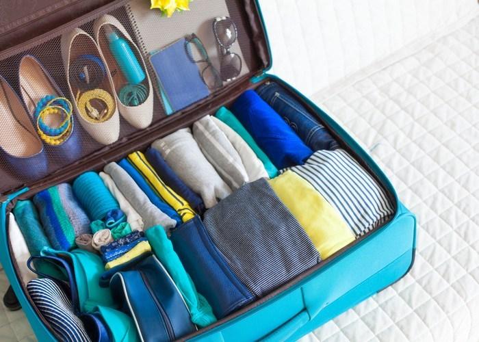 sắp xếp đồ vào vali