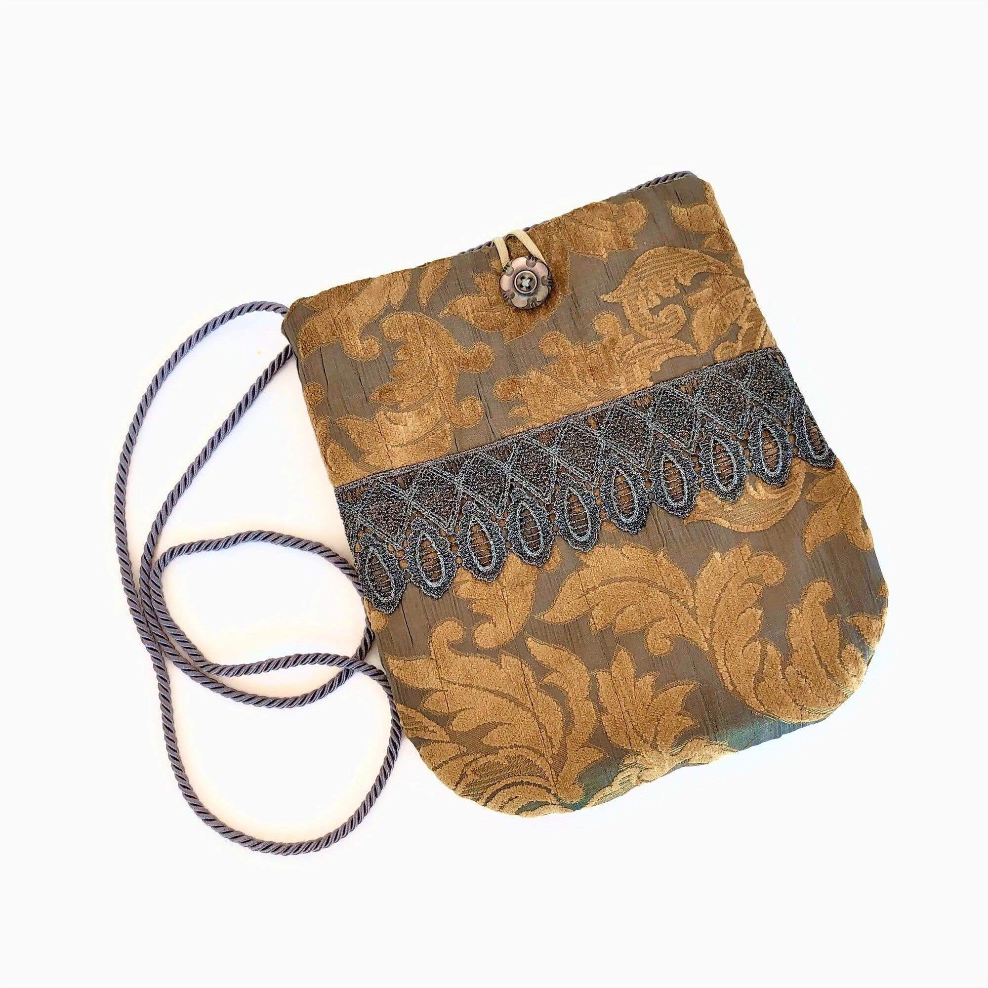 Túi xách đeo chéo thổ cẩm cách điệu