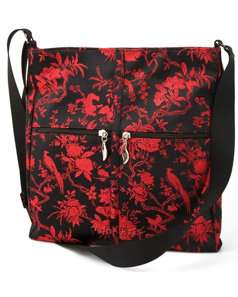 Túi xách đeo chéo thổ cẩm sự kết hợp của truyền thống và hiện đại