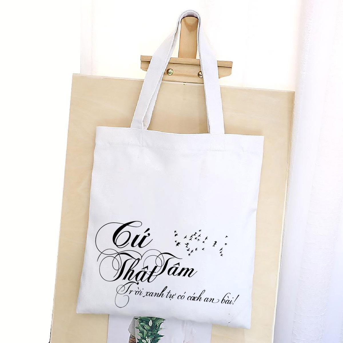 Túi vải canvas in slogan giúp bạn tự tin tỏa sáng trong dịp tết đến xuân về