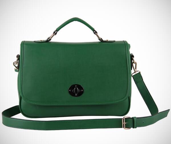 Mẫu túi xách mang hành Mộc với gam màu xanh lá cây, xanh da trời