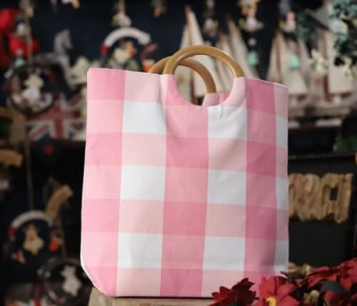 Túi xách quai gỗ sọc caro hồng