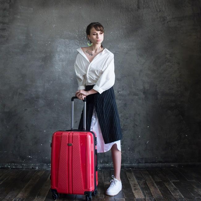 Mệnh Hỏa là bạn thì vali du lịch nên có gam màu