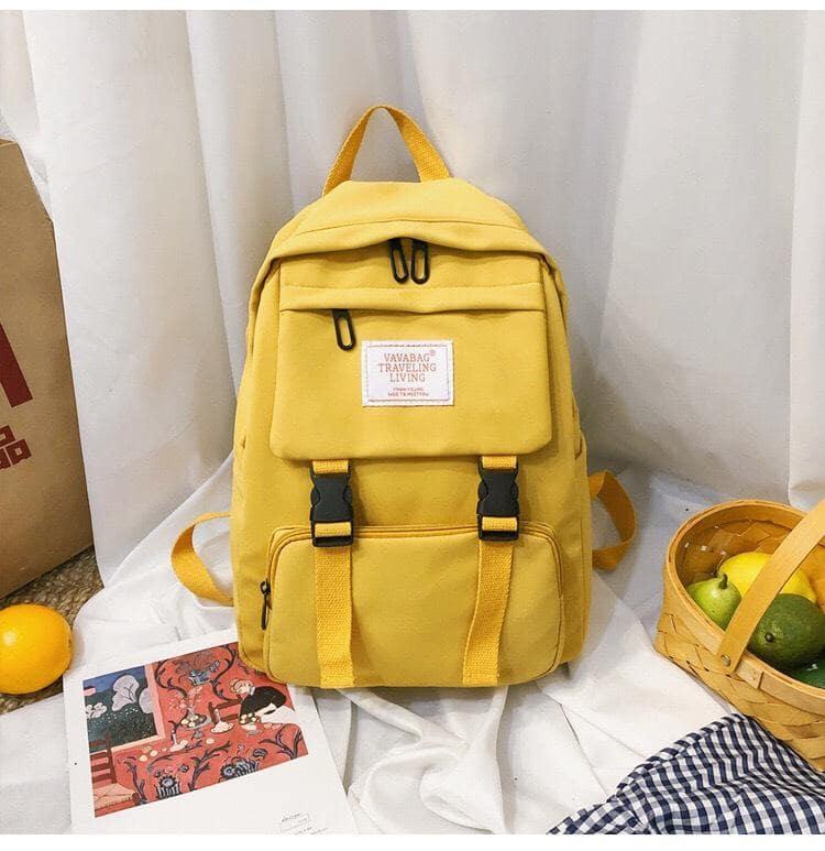 Chiếc balo học sinh màu vàng dành cho Cự giải