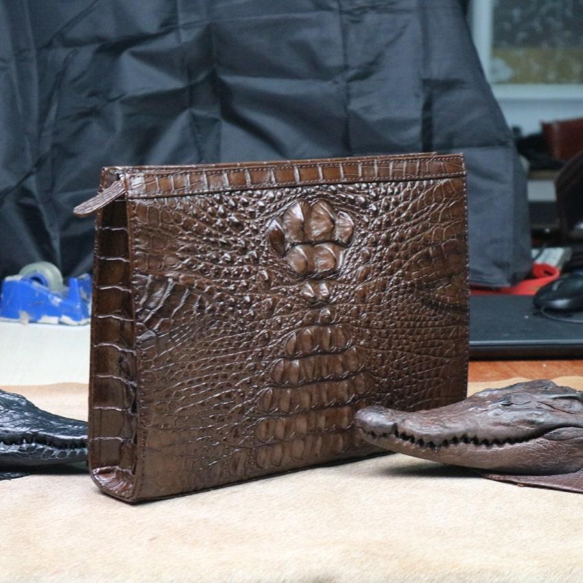Kiếu ví dài nam cầm tay bằng da cá sấu thật