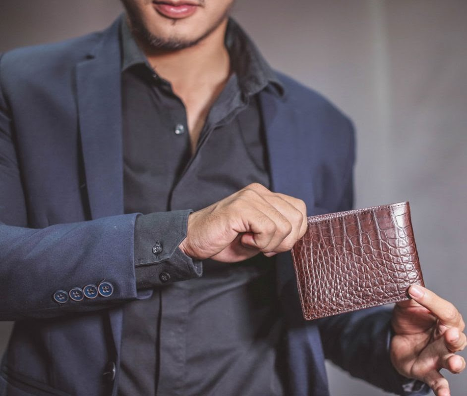 Kiếu ví nam ngắn cầm tay chính hãng Perdo