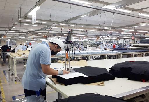 Kiểm tra chất lượng ở khâu cắt vải