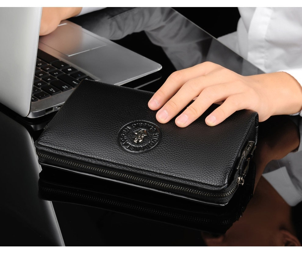 Làm sạch đúng cách giúp ví được bền hơn