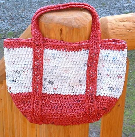 đan túi tote phong cách bằng túi nylon