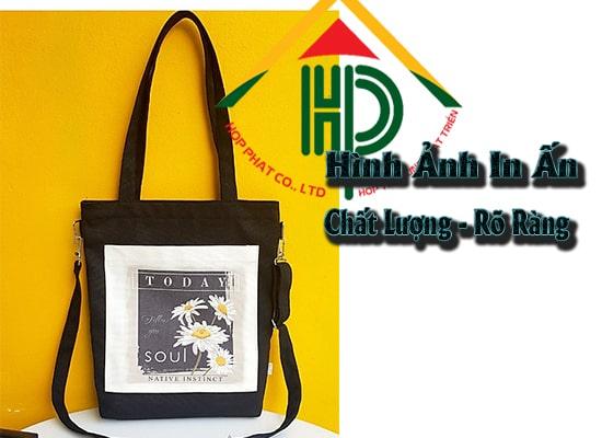 In logo thương hiệu, hình ảnh sản phẩm theo yêu cầu