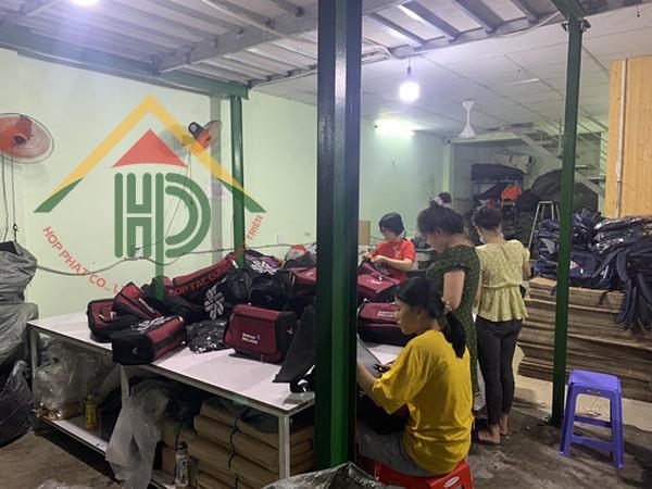 Nhặt chỉ và kiểm tra chất lượng túi đựng dụng cụ Siberian Health