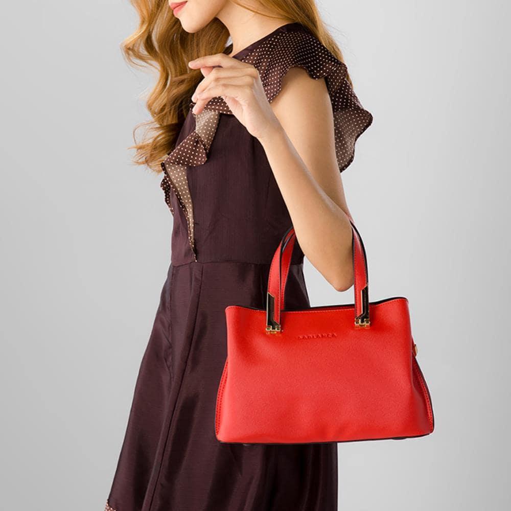 Túi xách tay đa năng đến từ thương hiệu Sablanca
