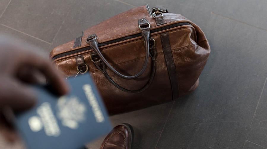 Một số lưu ý cần biết khi vệ sinh túi xách du lịch